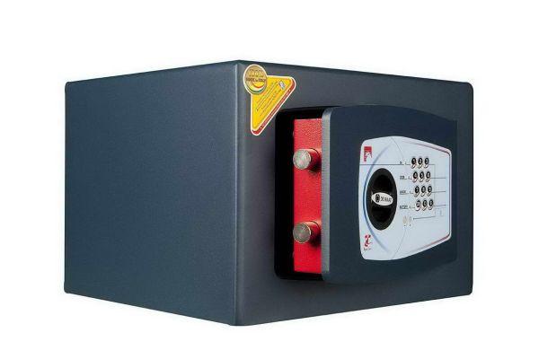 Technomax Gold GMT 4P