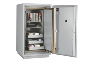 SafesStore.co.uk | Specialist in Safes. We deliver FireKing Datasafe DM 3420-3 free.
