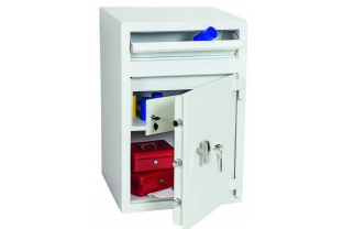 Chute Deposit Safe offering œ 3,000 cash rating. Ideal for daily cash deposits or valuables. Fitted with a high secure dobule bitted key lock ✓ Next Day Delivery