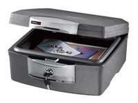 Uw documenten en computer media veilig in een brandwerende box van SentrySafe